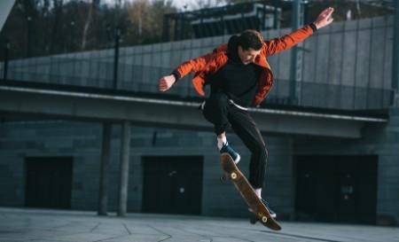 EY-skater-jumping-06032020