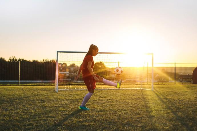 Damfotbollen skapar med små medel framgångar sportsligt och ekonomiskt