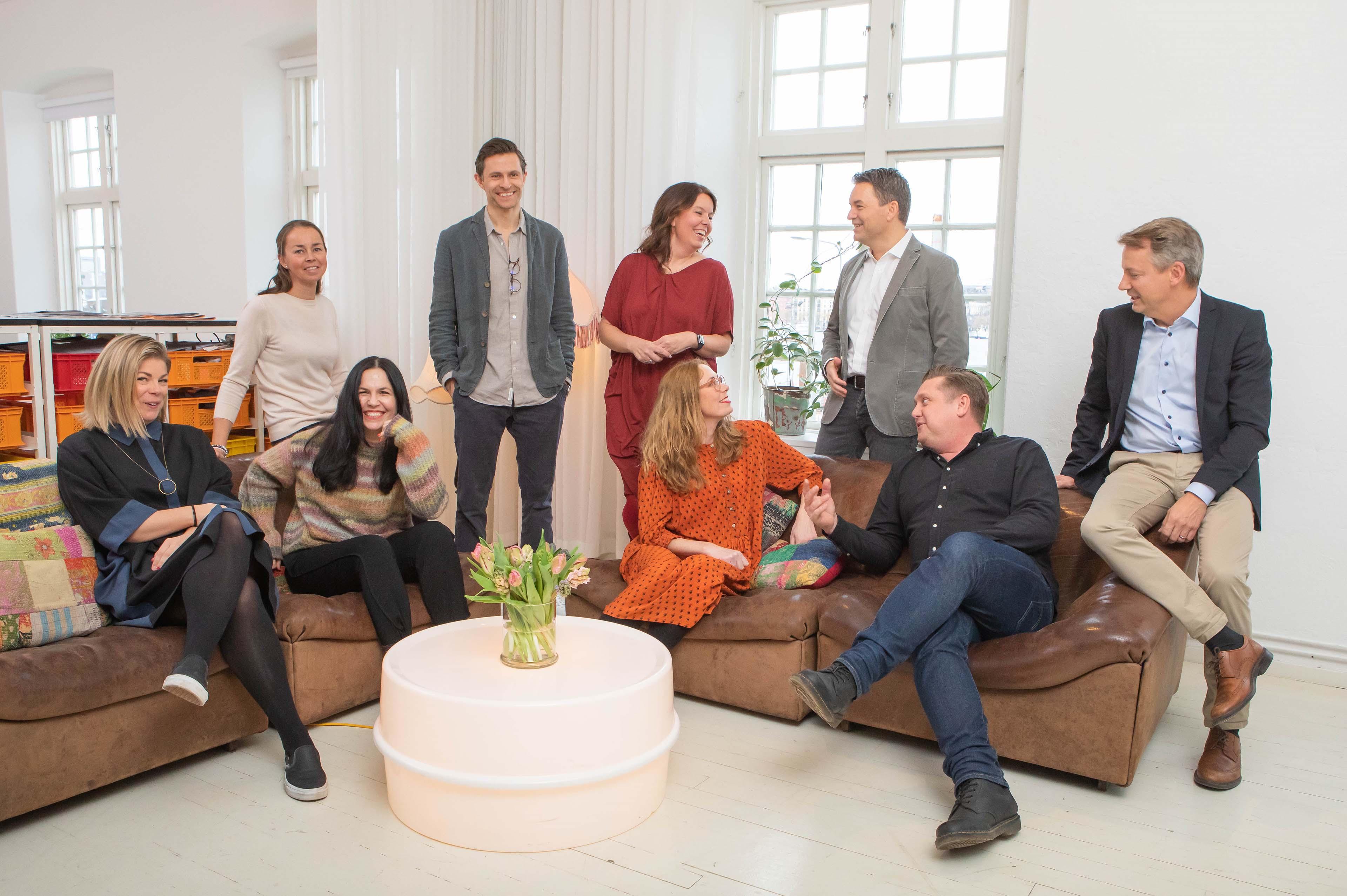 Pressbild - EY förvärvar design- och innovationsföretaget Doberman